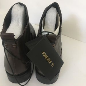 Forever 21 Shoes - Forever 21 chestnut brown Chelsea boots size 9